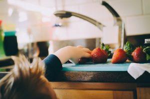 Ventajas de la transición temprana de texturas y alimentos sólidos